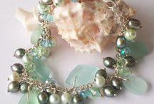 Pretty accessories / by Alyssa Calveric Riley