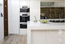 Modern Holiday Kitchens