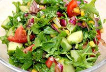 Saláták, saláta öntetek.