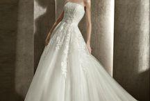 Pretty Dresses / by Lauren Antle