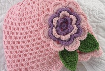 crochet flowers / to add to things
