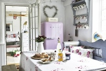 Interiors: Purple Passion / At blinds2go, we simply love the colour purple- from our statement walls to our office decor, purple is definitely our colour... So we thought we'd share a few great purple themes with you!