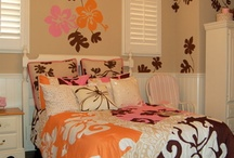 Tween Room Inspiration / A girls room is an important place. A place to grow, to learn and to pick out cute clothes and bags!