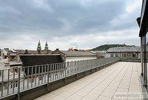 Regus Astoria - Az Év Irodája 2013 jelölt / A magyarországi Astoria központ Budapest szívében, csupán néhány percnyire a Dunától, modern épületben található. A központ egy vegyes használatú (hotel és irodaház) komplexumban foglal helyet, kőhajításnyira a város leghíresebb bevásárló és sétáló utcájától, a Váci utcától.