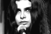 Mazzy Star I love ♥  here wonderful voice and as singer!