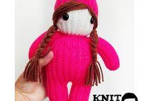 knit by Dad / @knitbydad / Knitting dolls & hats  #knittingman www.facebook.com/knitbydad Instagram: @knitbydad
