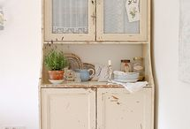 Shabby Chic Hutches / by Jessica Teel
