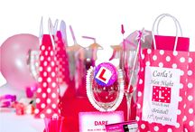 Hen Night Party Bags / A great range of filled or fill your own personalised hen do bags
