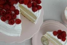 Bake / by Hannah Turnbull