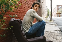 Love me some Amos Lee / by Kimberly Cox
