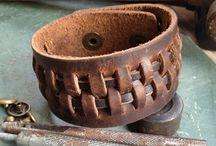 Leather bracelets / Bracelets mostly leather