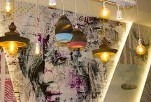 Revestimientos de decoración / En Gibeller podrás descubrir las últimas tendencias en Papeles vinílicos papeles pintados, vinilos, fotomurales así como molduras decorativas.