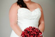 Red and black themed wedding. / Flax flowers by www.flaxation.co.nz