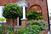 A Hampstead Garden / A garden for a newly renovated house with secret sections and modern planting twists.