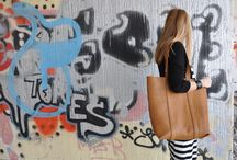 Handmade leather bags / Oversized tote bags, clutches in pure lines, real leather in our favourite colours... We share our ideas with you through our handmade leather bags!