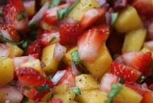 Recipes - Sides/Appetizers / by Jessica Poppke