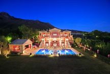 Luxury property in Marbella / Those Stunning Luxury property villas and frontline beach properties you can only dream of.