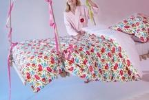Linge de lit enfant / Des housses de couette et accessoires de toutes les couleurs et de toutes les tailles pour décorer la chambre de votre enfant! On ♥ les housses de couette trompent l'œil princesse et cosmonaute !