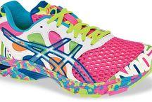 Produtos de Fitness Legais / Tênis, aparelhos de ginástica e apetrechos legais para a prática da atividade física