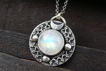 Korut/Jewellery / Magpie mode: Hoard anything tiny and shiny