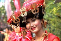 A colorful start to Lake Toba Festival