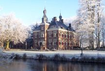 Stay in a Dutch Castle / Stay overnight in a Dutch castle? Yes, it is possible! Here are some castles fit for a King or a Queen.