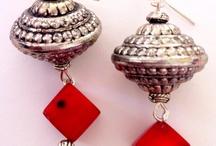 Earrings  / Find beautiful earrings collections !