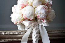wedding bouquetes with peonies / Νυφικά μπουκέτα με παιώνιες