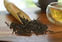 Loose Leaf Teas / At The Tea Makers Of London, we offer a wide range of loose leaf teas, including authentic black, white and green teas as well as sublime flowering teas and rare tea pearls. Our loose leaf teas are individually gathered from the most celebrated tea gardens around the world, as well as small, traditional artisan tea farmers.