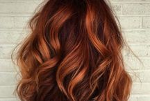 Cheveux/coupés/couleurs