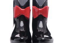 Štýlové dámske gumáky za skvelé ceny. Lacné dámske gumáky výpredaj / Prečo nakupovať dámske gumáky – nepremokavá vysoká obuv na Cosmopolitus.Com? http://www.cosmopolitus.com pánky na platforme, damska obuv topánky http://www.cosmopolitus.com/damske-topanky-gumaky-c-101_6240_106.html #lacne   #damske #gumaky #Lacne #vypredaj