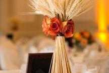 Casamentos / Idéias. .arranjos..materiais diferentes. .coisas bonitas! !! / by Rosangela Simon Peres Nicoletti