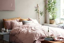 pink and rosegold bedroom