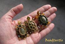 Perlenkunst-Fundstücke / Alle möglichen Kunstwerke aus Perlen, die mir gefallen. Perlentiere, Schmuck, Blumen und und und...