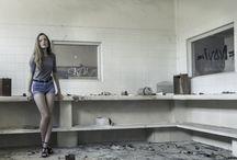 María / Fotografía de moda en País Vasco.  Reportaje de moda en fábrica abandonada. Localizaciones espectaculares en zona norte.  Fashion Photography.