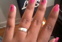 My nails / I love my nails and I'm passionate about them that's her that I chose to share my passion with you. J'adore mes ongles et je suis passionné d'eux c'est pour sa que j'ai choisi de partager ma passion avec vous.