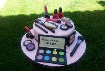 TARTA MAQUILLAJE / #tarta maquillaje fondant; #tarta maquillaje Toledo; #tarta fondant maquillaje Toledo; #tartas especiales Toledo; #tarta especial Toledo; #tartas especiales