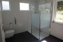 Sanidrõme Thijssen Deurne Voorbeeld 2 gerealiseerde badkamer en toilet / Sanidrome Thijssen uit Deurne toont graag de door hen gerealiseerde badkamer.