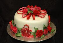 Christmas Cakes / Celebrating the Holidays in Cake. / by Frances Gill
