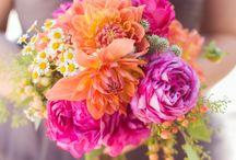 Farbenfrohe Hochzeit / Fröhlich, bunt und aufregend. Tolle Inspirationen um eine Hochzeit in den schönsten Farben erstrahlen zu lassen! / by Brautmoden Bösckens