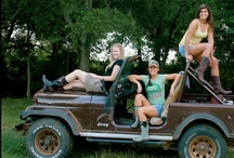 Jeep Photo Session Ideas  / by Jodi Pho