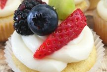 Cakes and Cupcakes / Cupcake and cake recipes everybody can make.