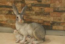 Tavşan Heykelleri