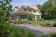 Farmhouse Landscape Design / For more ideas and inspiration for your own farmhouse landscape design, visit http://www.landscapingnetwork.com/garden-styles/Farmhouse-Landscape-Design.pdf
