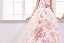 プリント地カラードレス / フラワープリント(花柄)のカラーウェディングドレスまとめ