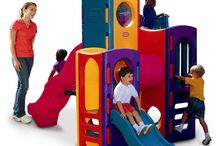 Exterior / Aire Libre / MiPetiteLife.es - Nuestra mejor selección de juguetes y parques para exterior y aire libre. Ideales para jardines. Nuestro pequeños podran disfrutar con sus toboganes, columpios, casitas y parques de multiactividades. Diversión al aire libre.