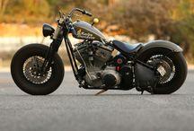Duas rodas, uma vida / Paixão por motos e a vida na estrada.