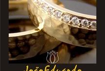 ALIANÇAS DE CASAMENTO / A MAIS PERFEITA COLEÇÃO DE ALIANÇAS PARA CASAMENTO, NOIVADO OU COMPROMISSO DA NET BRASILEIRA. QUALIDADE COM PREÇOS MUITO ESPECIAIS. #amor #casados #noivos #noiva #aliancadecasamento #anel #anelnoivado #ouro #ouroamarelo #ourorose #ourobranco #aliancaouroamarelo #alianca #abaulada #larga #excentrica #alianca #amada #amarela #amarelo #amor #anatomica #aneis #anel #espessura #aro #arredondada #baulada #bauloada #preciosa #bodas #branca #branco #brilhante