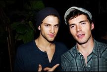 Homens bonitos