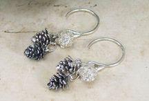 Earrings / Gorgeous earrings by Alexis Dove
